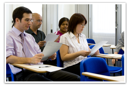 iStock_000003818339XSmall לימודי הנחיית קבוצות במסגרת קורס מקצועי